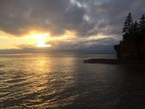Höchste Tide der Welt bei Ebbe Burntcoat Head Park an der Bay Fundy in NS